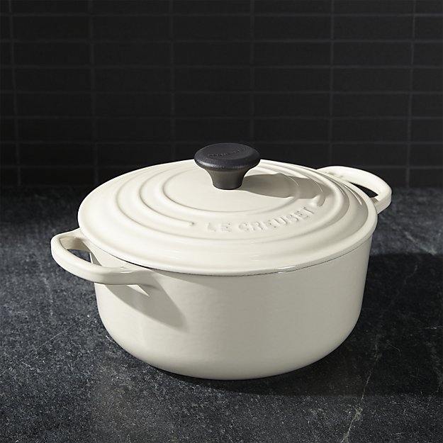 LeCreuset Signature Round Dutch Over